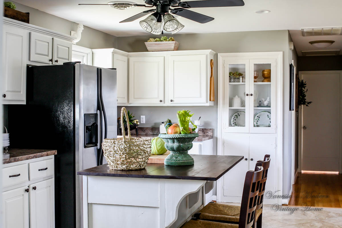 paint my kitchen cabinets white how i painted my kitchen cabinets without removing the 7299