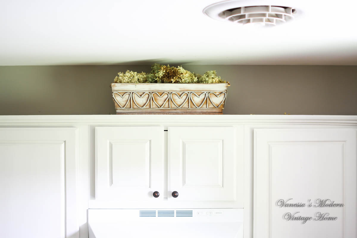 Paint kitchen cabinets without removing paint kitchen for Best way to remove paint from kitchen cabinets